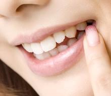 まるで本当の自分の歯みたい!インプラントが選ばれる理由